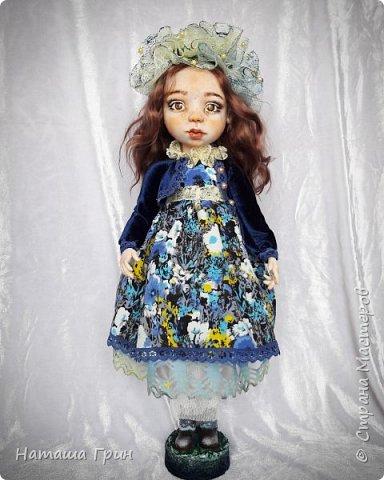 Всем привет! Знакомьтесь эта Анна. Куколка вылеплена в ручную из запекаемого пластика Ливинг долл. Роспись акриловые, масляные краски. Глаза из эпоксидной смолы, внутри расписаны акрилом. Волосы натуральная козочка.  фото 2
