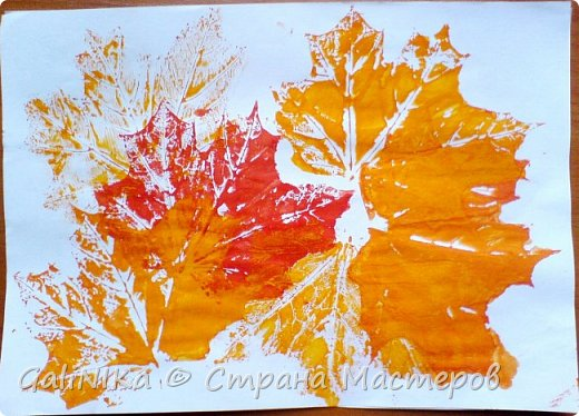 На этой неделе нашлось занятие для моего трёхлетнего внука.  Мы печатаем листья! фото 39