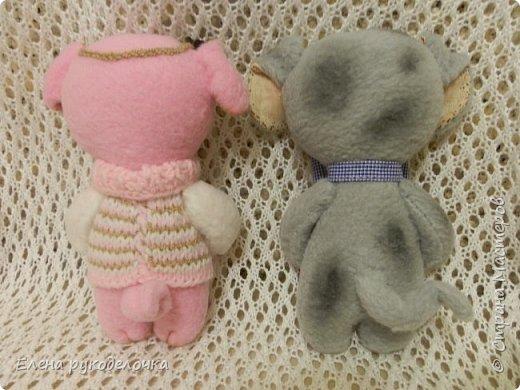 Сшила ещё пару зверят. Хрюньку шила по выкройке собачек долматинцев http://stranamasterov.ru/node/1107192 , а вот пёсика по выкройке зайки. фото 2