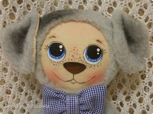 Сшила ещё пару зверят. Хрюньку шила по выкройке собачек долматинцев http://stranamasterov.ru/node/1107192 , а вот пёсика по выкройке зайки. фото 8