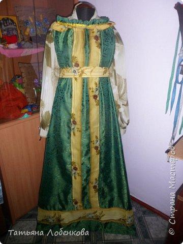 На уроках швейного дела мы сделали костюм Матушки Земли для праздника осени и экологии фото 2