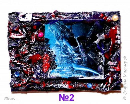 Серия для тех кому +18. ШУТКА. Вот такой ужастик .......................... На основу наклеена складками ткань и немного марли по краям, а дальше фото, всякие железки. Покрашено сначала черной краской, затем тонировка и все покрыто лаком.   фото 3