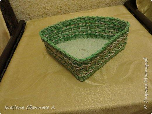Вот еще коробочка.Плела по размерам полочки мебельного угла на кухню. фото 2