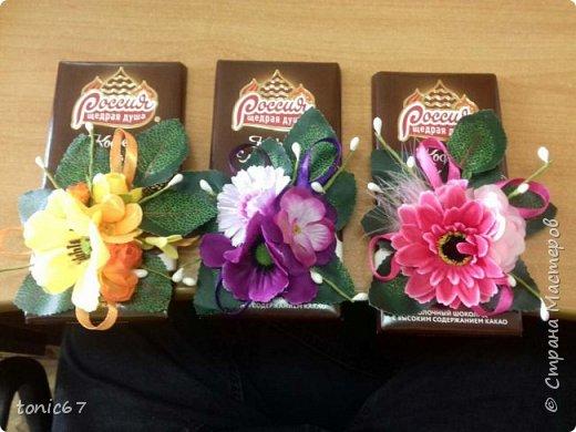 """Делала мужу для его коллег-женщин на 8 марта. Он там один среди женщин - каждый раз муки выбора """"цветы/шоколад/конфеты""""))). Это был не основной подарок, а просто так, утром положил каждой на стол в качестве приятного презента. Подарки они уже давно не дарят - просто накрывают """"общий стол"""" во время обеденного перерыва - так всем проще!!!   фото 1"""