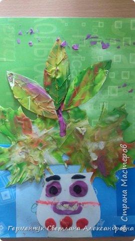 """Вот такие осенние натюрморты сегодня """" нарисовали"""" пластилином  ребята 3 """"А"""" класса. Из плотных  обложек , использованных  тетрадок ,  вырезали заготовки листьев , вазы  и  """"закрасили """" пластилином. Фон - обложки  с наборов  картона. Берегите  все живое !!!  фото 8"""