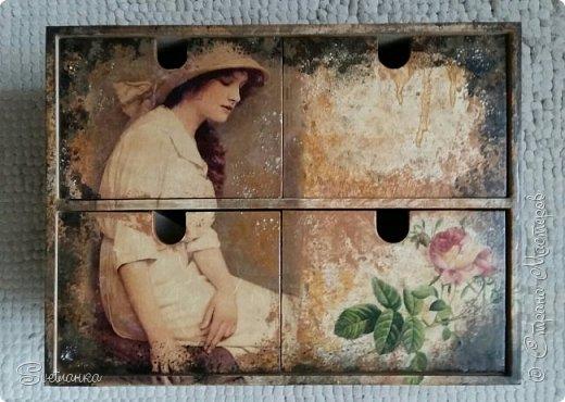 """Комодик из Икеи декупажила салфетками и картинками на рисовой бумаге. Потом подкрашивала """"под старину"""" фото 7"""