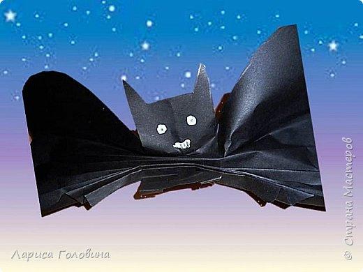 Летучие мыши моих первоклассников. К Хеллоуину не готовимся, просто мыши http://krokotak.com/2017/10/paper-bats/ оказались очень обаятельными+ доступность исполнения фото 2