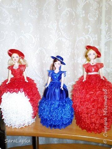 Всем привет.Вот наделала еще куколок.После моих последних красавиц на них начался спрос.Ну а мне тоже хорошо,руку набью.Почему то просят в красном платье,а мне все нравятся.Смотрите,вдохновляйтесь. фото 1