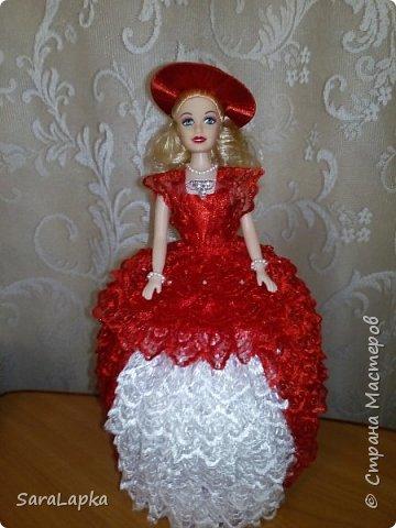 Всем привет.Вот наделала еще куколок.После моих последних красавиц на них начался спрос.Ну а мне тоже хорошо,руку набью.Почему то просят в красном платье,а мне все нравятся.Смотрите,вдохновляйтесь. фото 3