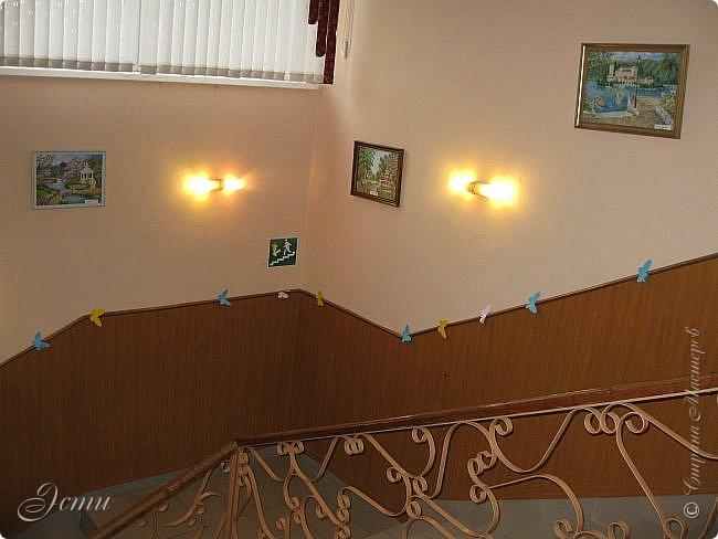 """Товарищи дорогие!!! У меня радостное событие! В клубе """"Огонек"""" проходит выставка моих картин.  Собственно говоря - """"выставка"""" - громко сказано), просто развешены в холле и вдоль лестниц 14 картин.  Приглашаю на виртуальную экскурсию) фото 3"""