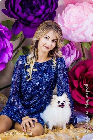 На этом фото ростовые цветы ручной работы создают фон. Платье так же выполнено мной фото 12