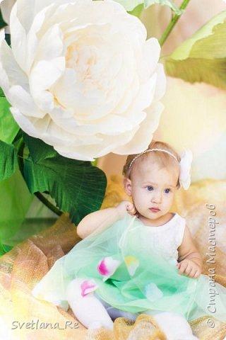 На этом фото ростовые цветы ручной работы создают фон. Платье так же выполнено мной фото 20