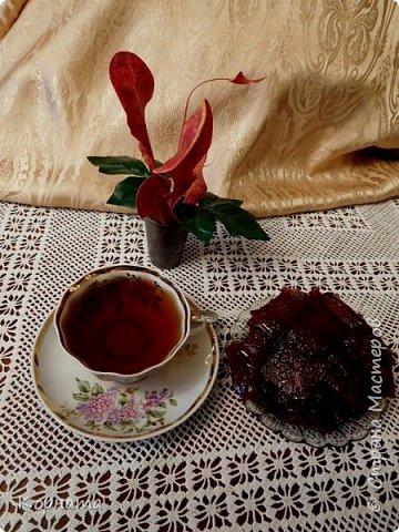 Доброго времени суток,дорогие мастера! Приглашаю вас попить чайку из вишневых листьев с яблочной пастилой собственного изготовления! Рецептов приготовления чая я нашла  в интернете множество, да и сама я всегда делала чай из кипрея.А два года назад решила попробовать сделать чай из разных листьев плодовых деревьев! Да, да, вы не ослышались! Именно из листьев! фото 7