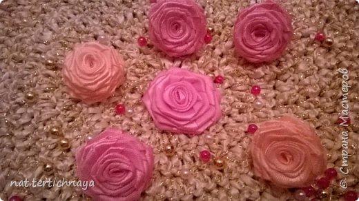 Розы из атласных лент.  Большие розы из лент шириной 5 сантиметров. фото 2