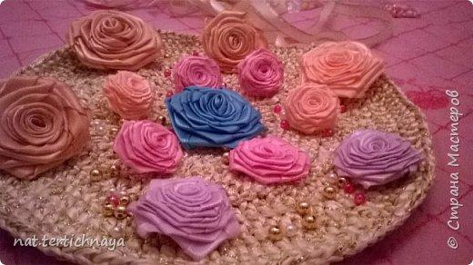 Розы из атласных лент.  Большие розы из лент шириной 5 сантиметров. фото 3