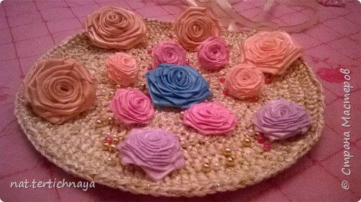 Розы из атласных лент.  Большие розы из лент шириной 5 сантиметров. фото 1
