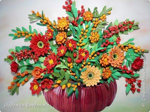 Здравствуйте дорогие мастерицы! Хочу показать вам одну из своих последних работ, в которой собрала букет из разных цветов и веточек. Букет получился яркий и насыщенный!   фото 5