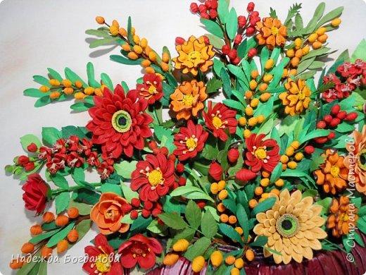 Здравствуйте дорогие мастерицы! Хочу показать вам одну из своих последних работ, в которой собрала букет из разных цветов и веточек. Букет получился яркий и насыщенный!   фото 2