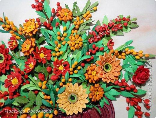 Здравствуйте дорогие мастерицы! Хочу показать вам одну из своих последних работ, в которой собрала букет из разных цветов и веточек. Букет получился яркий и насыщенный!   фото 3