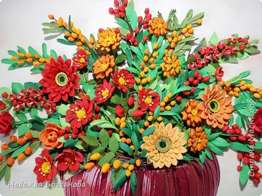 Здравствуйте дорогие мастерицы! Хочу показать вам одну из своих последних работ, в которой собрала букет из разных цветов и веточек. Букет получился яркий и насыщенный!   фото 4