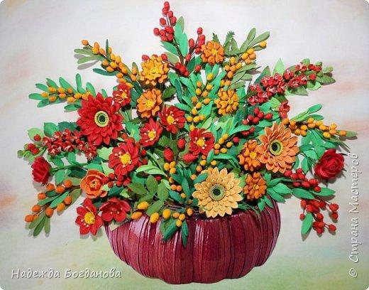 Здравствуйте дорогие мастерицы! Хочу показать вам одну из своих последних работ, в которой собрала букет из разных цветов и веточек. Букет получился яркий и насыщенный!   фото 1