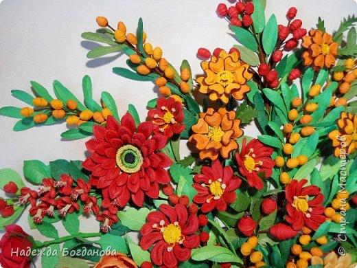 Здравствуйте дорогие мастерицы! Хочу показать вам одну из своих последних работ, в которой собрала букет из разных цветов и веточек. Букет получился яркий и насыщенный!   фото 6