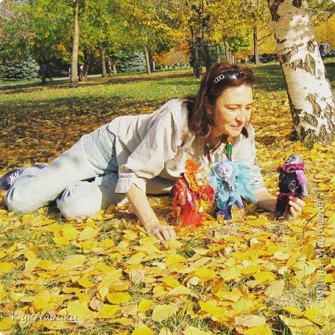 Красивая осень - время клеить смешные шляпки из цветов и шишек и идти гулять с куклами. На фото я и мои малыши.  Для тех кто со мной не знаком. Я Лариса.живу в Алматы.Люблю и делаю кукол. фото 2