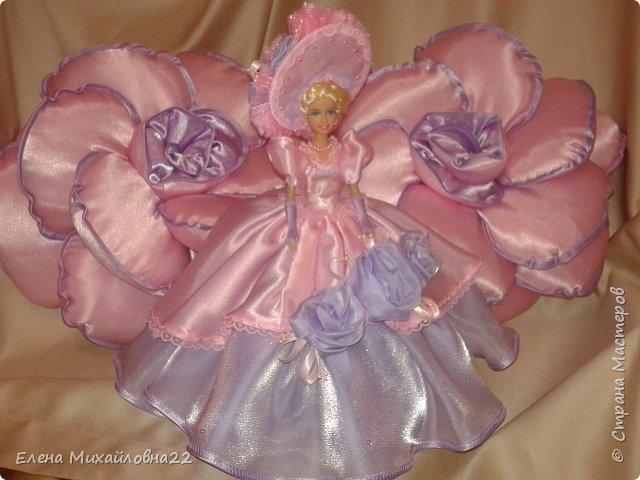 Такой комплект в подарок был сшит... для девичьей комнаты... розы подушки и кукла -шкатулка фото 1