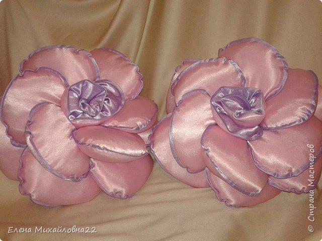 Такой комплект в подарок был сшит... для девичьей комнаты... розы подушки и кукла -шкатулка фото 3