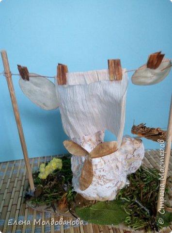 Павлины сделаны из шишек, камыша, высушенных цветов, мха и сухоцветов фото 5