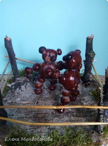 Павлины сделаны из шишек, камыша, высушенных цветов, мха и сухоцветов фото 6