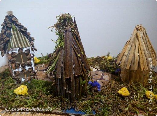 Павлины сделаны из шишек, камыша, высушенных цветов, мха и сухоцветов фото 27