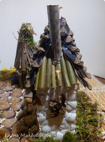 Павлины сделаны из шишек, камыша, высушенных цветов, мха и сухоцветов фото 25