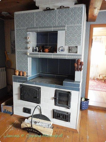 Домик не просто домик и какой-то там арт-объект, этот домик скрывает и защищает оборудование скважины. И приятно и полезно. Иногда так бывает фото 13