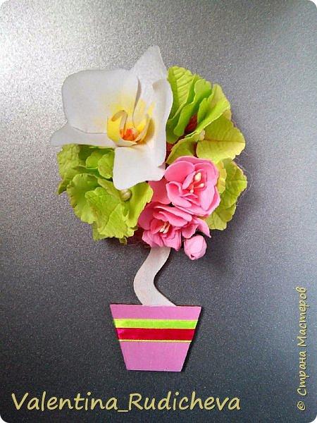 Цветочки розы и листья эвкалипта на гребне для волос. фото 5