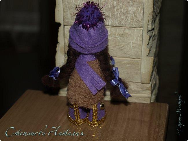 Доброго дня! Вот и закончились у меня деревянные бусины! А материал ещё есть и желание делать куколок тоже. Давайте посмотрим на этих (НЕ ПОСЛЕДНИХ!) фото 4