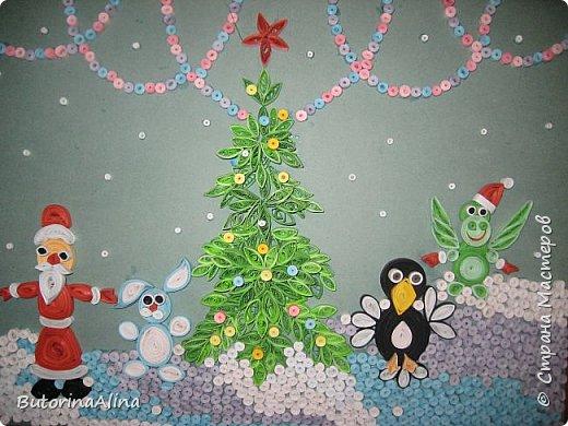 """Панно """"Встреча Нового года"""" Для создания фона использованы цветные карандаши. Коллективная работа. фото 2"""