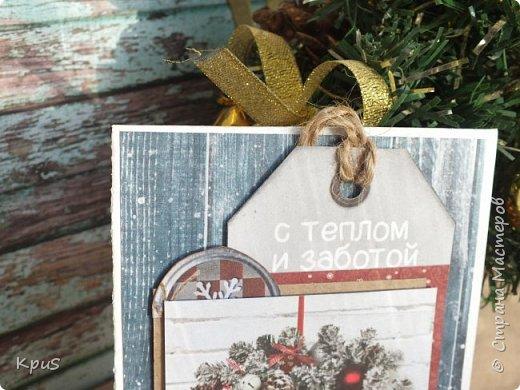 И снова здравствуйте! Подготовка к новогодним праздникам не может обойтись без изготовления открыток. Что за подарок без открытки? не привычно как-то.  Вот и я покопалась в своих запасах, нашла прошлогодние коллекции, а точнее несколько кусочков от них, и вперед.  фото 3