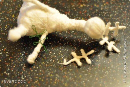 Вот такую новогоднюю композицию я сделала к НГ. Олени и ёлки из ватного папье -маше, санки из картона.  фото 4