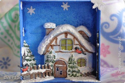 Вот такую новогоднюю композицию я сделала к НГ. Олени и ёлки из ватного папье -маше, санки из картона.  фото 7
