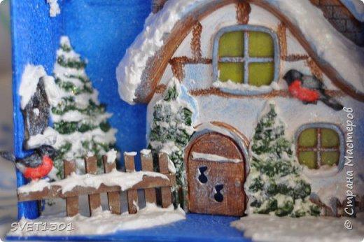 Вот такую новогоднюю композицию я сделала к НГ. Олени и ёлки из ватного папье -маше, санки из картона.  фото 8