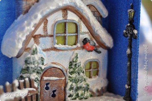 Вот такую новогоднюю композицию я сделала к НГ. Олени и ёлки из ватного папье -маше, санки из картона.  фото 9