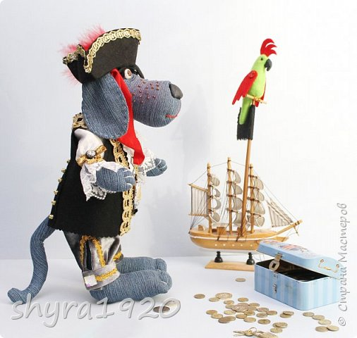 Песенка пирата.  По взорванному морю! Закрыв повязкой глаз, В карманах по пистолю, Пиратский нож в зубах, И попугай на рее. Я всех чертей смелее! Плевать мне на мираж! Иду на абордаж!!!  Автор Эрника фото 3