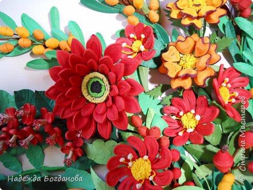 Здравствуйте дорогие мастерицы! Хочу показать вам одну из своих последних работ, в которой собрала букет из разных цветов и веточек. Букет получился яркий и насыщенный!   фото 8