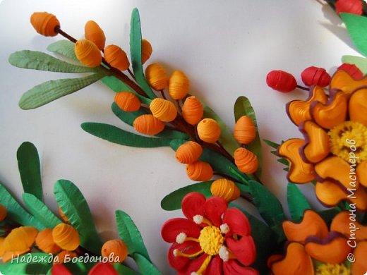 Здравствуйте дорогие мастерицы! Хочу показать вам одну из своих последних работ, в которой собрала букет из разных цветов и веточек. Букет получился яркий и насыщенный!   фото 9