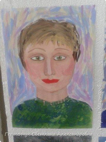 """В 3 """"А"""" классе учатся две сестрички  София и Полина ..Девочки очень любят рисовать и посещают  кружок ИЗО  в   ДДШИ   . К празднику   они  подарили  портреты  любимой мамочке!!! фото 2"""