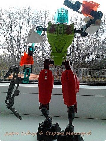Здравствуй СМ! Сегодня я познакомлю вас с Робертом роботом-человеком. Р: Здравствуй СМ! Сегодня я покажу вам мои комиксы, и познакомлюсь поближе с вами. Поза - героя! фото 3