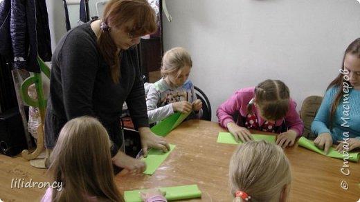 К 100-летию революции на работе проводила с детьми мастер класс по изготовлению будёновки. фото 3