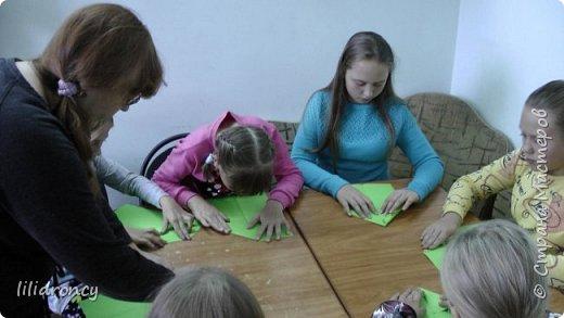 К 100-летию революции на работе проводила с детьми мастер класс по изготовлению будёновки. фото 4