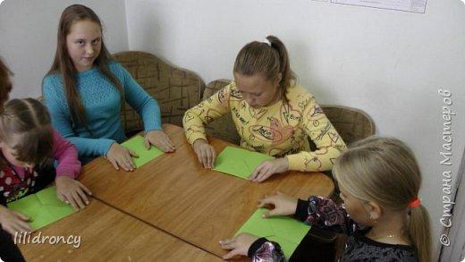 К 100-летию революции на работе проводила с детьми мастер класс по изготовлению будёновки. фото 5